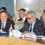 С вицепрезидента на IUE, Проф. д. ик. н. Самедзаде З.А., председател на Комисията по икономическа политика на Мили Меджлиса (парламента) на Азърбейджан, национален координатор на Азърбейджан по международното техническо съдействие от ЕС;