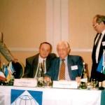 С вицепрезидента на IUE, Проф. L. Veksler (Австралия)